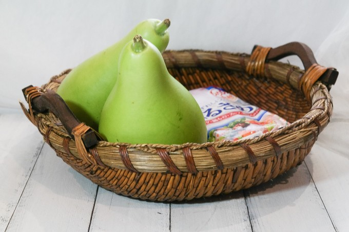 A medium sized bottle gourd       Vermicelli  100 gm