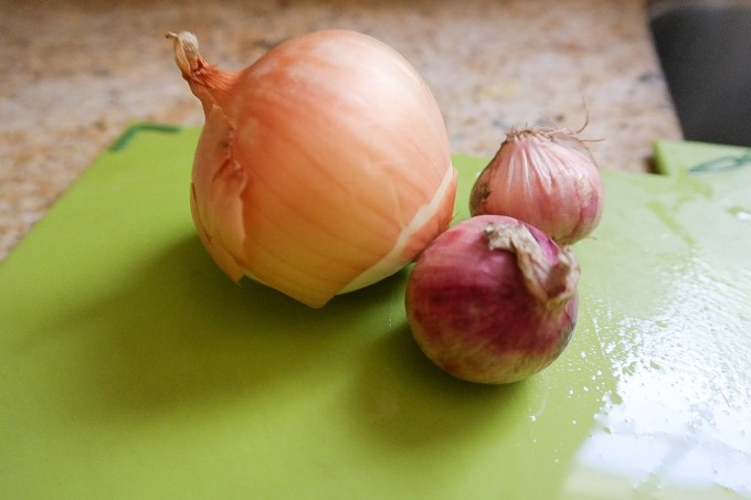 Garlis and shallots ...